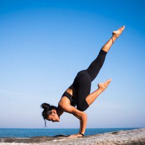 faire du yoga pour tenir la ligne